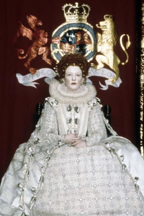 Cate Blanchett como Isabel I en la película homónima por la que también fuese nominada al Oscar.